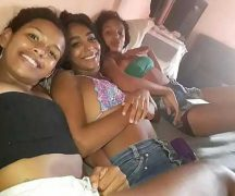Girls from the favela in amateur putaria that leaked on the internet